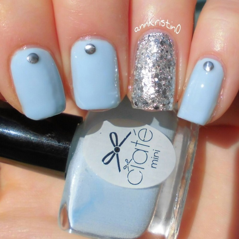 Silver Glitter Accent Nail and Light Blue nail art by Ann-Kristin ...
