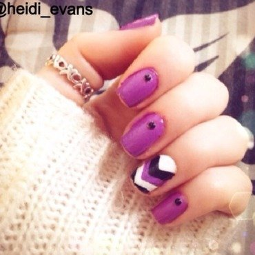 Chevron Purple nail art by Heidi  Evans