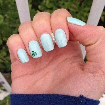 Simple St-Patrick's day mani nail art by Rose Tanguay  Hebert