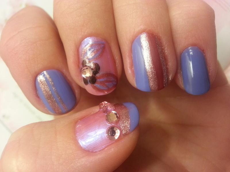 Blossoms nail art by Julia Malinka