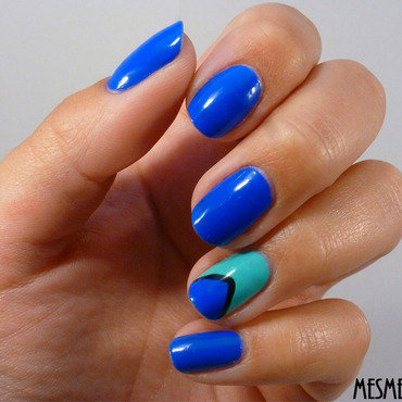 Blue peps nail art by Amandine