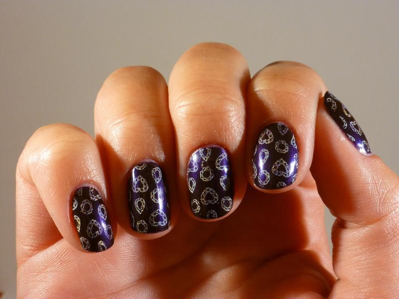 Purple diamond nail art by Amandine