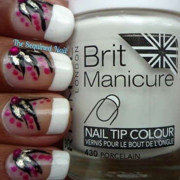 French manicure with flowers thumb370f