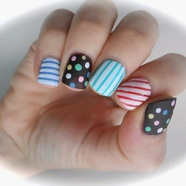 Candy Crush Nail Art nail art by Sarah Anaïs