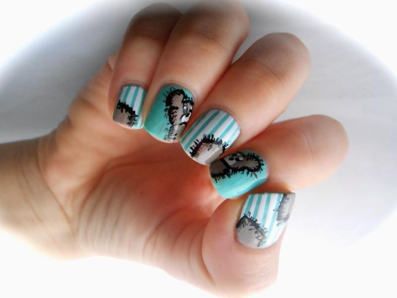 Teddy Bear Nail Art    nail art by Sarah Anaïs