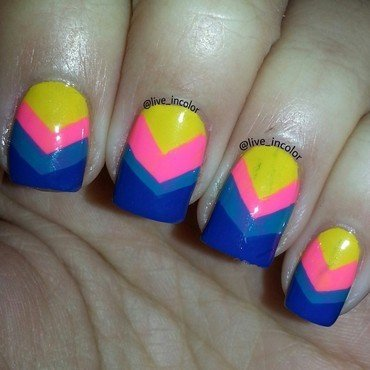 chevron nail art by kEElyN mARiN