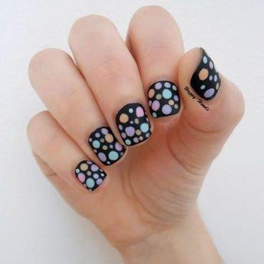 Polka Dots Nail art nail art by Sarah Anaïs