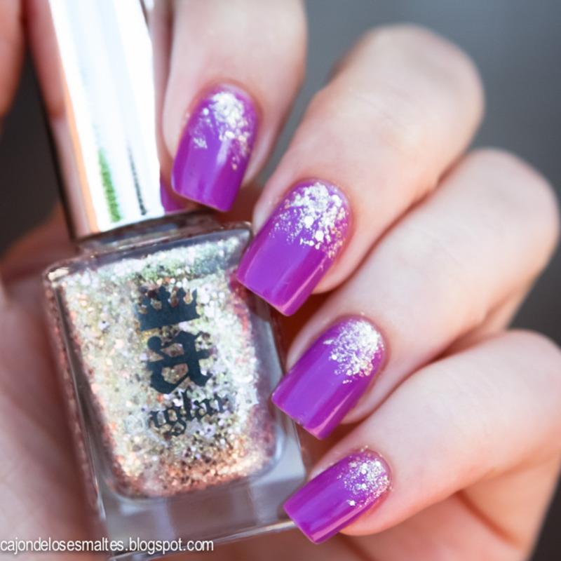 China Glaze / A England glitter gradient nail art by Cajon de los esmaltes