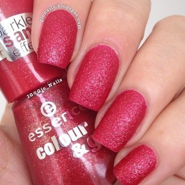 Essence Sparkle Sand Effect Me & My Lover Swatch by Giovanna - GioNails