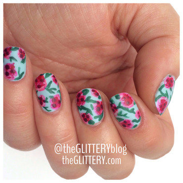 Wild about florals!  nail art by Ari  Fund