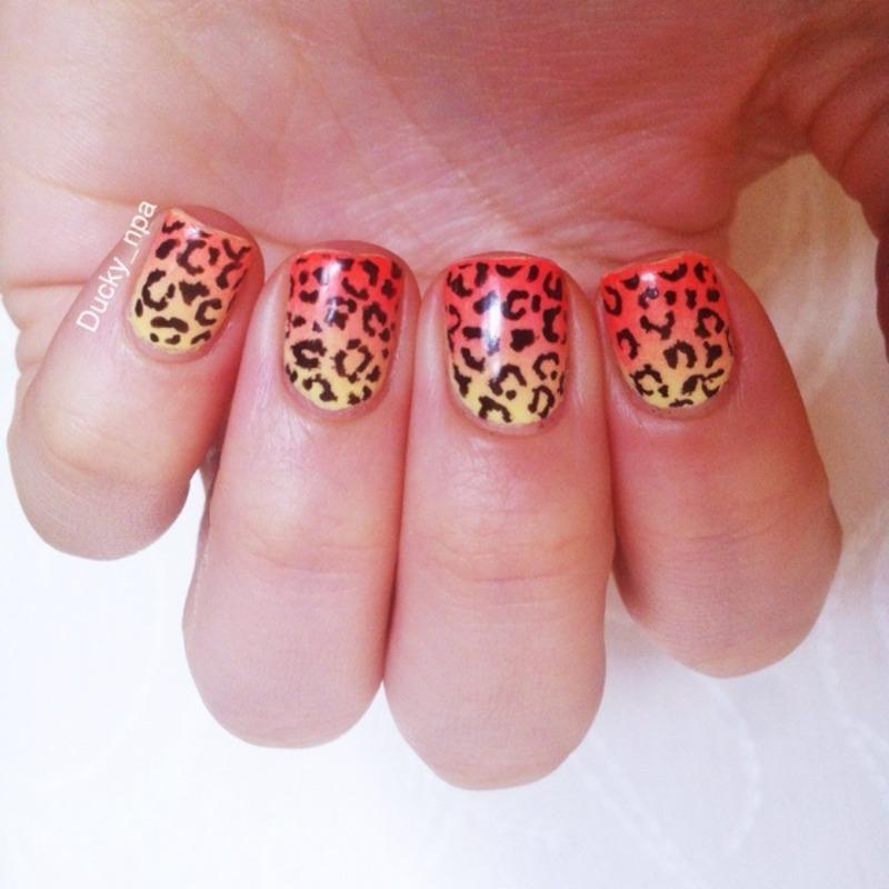 Leopard gradient  nail art by Ducky_npa (Lili)