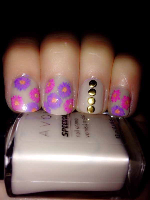 Spring flowers nail art by Ingrid mendizabal