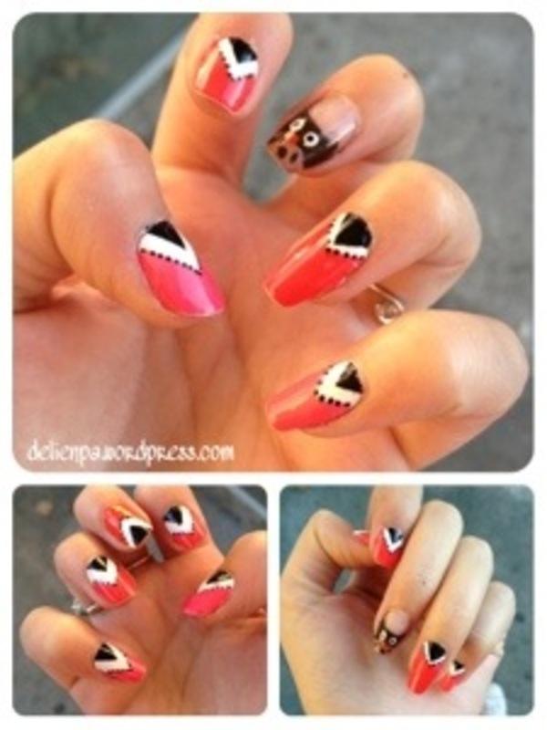 Jolis triangles orangés ! Vive le strip ! nail art by Dju Nails