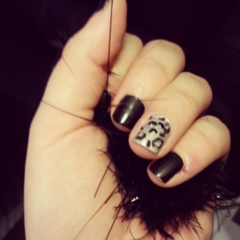 Manucure léopard nail art by Dju Nails