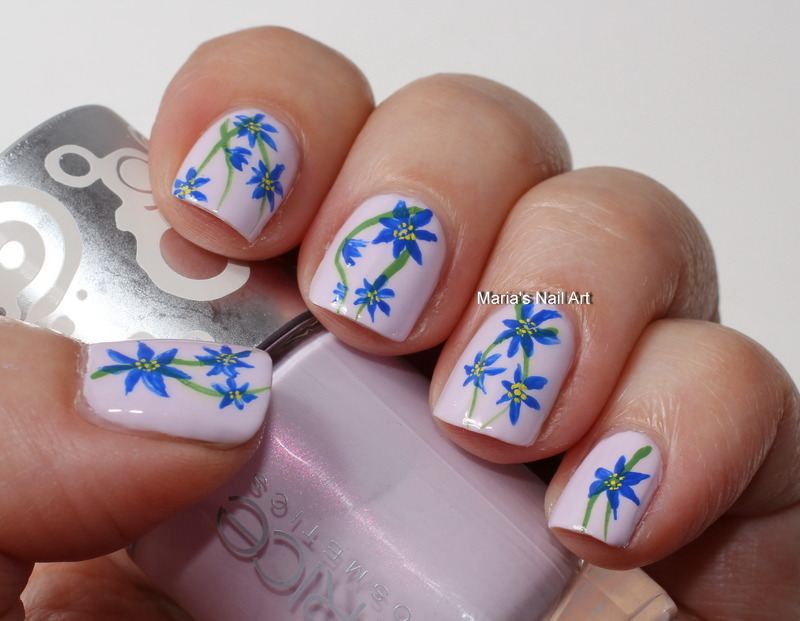 "Indigo floral nail art on pastel lilac nail art by Maria ""Maria's Nail Art and Polish Blog"""