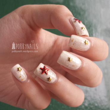 Starfish-ed nail art by Priscilla  Lim