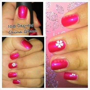 Flowers nail art by Lizeth