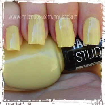 Astor 240 Yellow buttercup Swatch by Nailsenkha