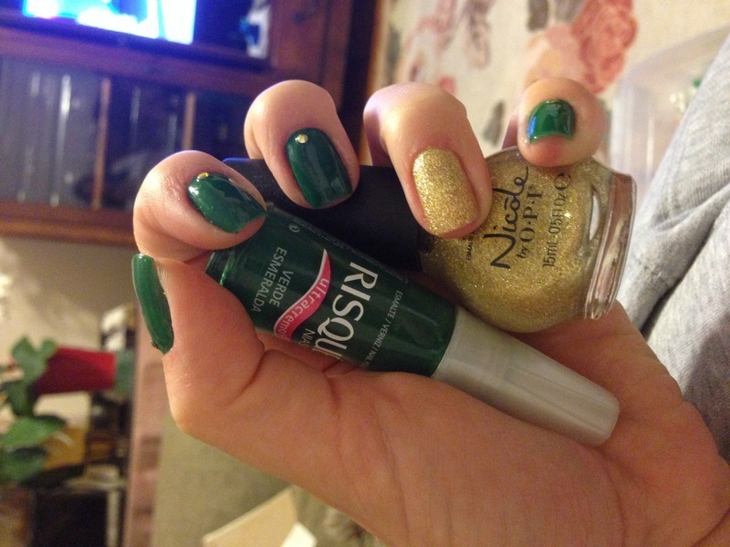 St. Pattys party nail art by Herika