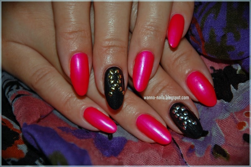 Breast Cancer Awareness Month nail art by Oana Chiciu