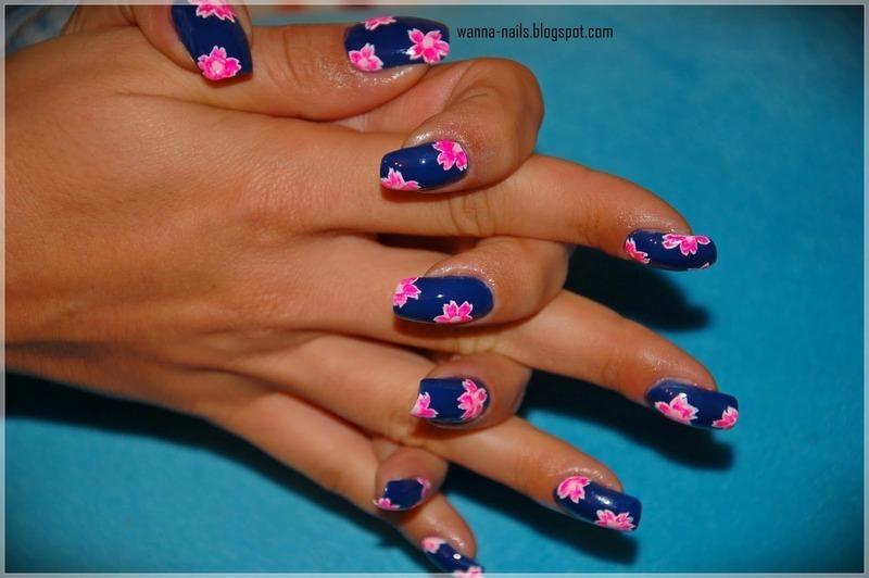 Flowers pattern nail art by Oana Chiciu