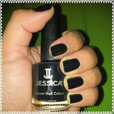 Velvet And Pearls Swatch nail art by Lizeth