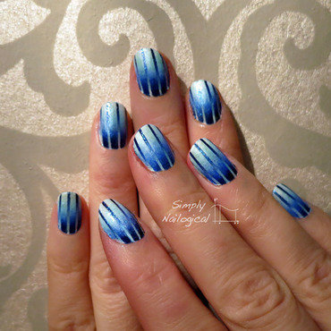 Reciprocal blue to white gradient... with some sugar on top! nail art by simplynailogical