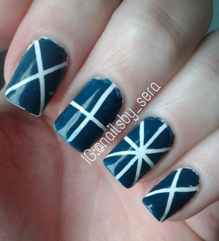 Intersecting Lines nail art by Sera Knott