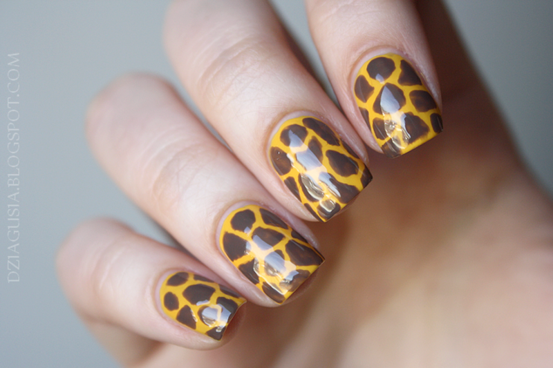 Giraffe! nail art by Magda