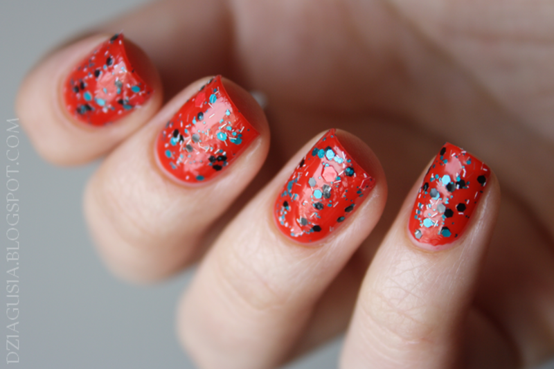 Red power nail art by Magda