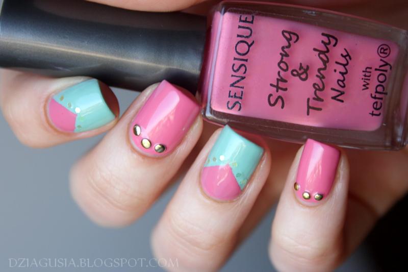 Blue & Pink nail art by Magda