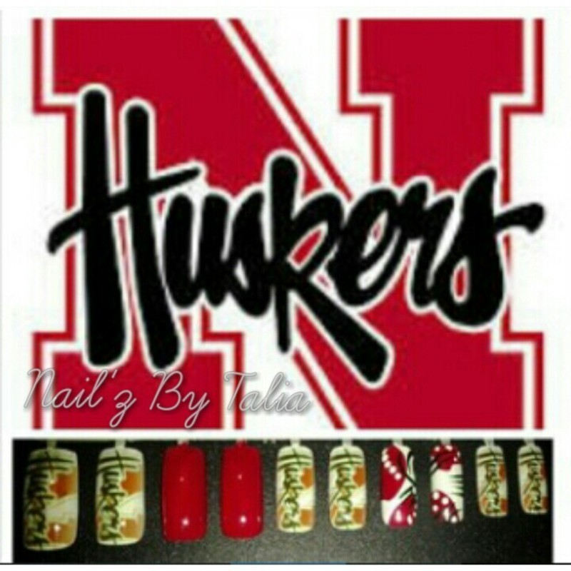 It's Nothing but A Husker Party nail art by taliatatztips