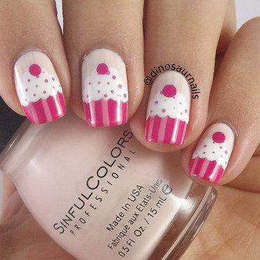 Pinky Cupcakes nail art by  Vanesa