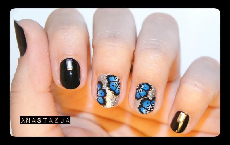 blacknblue flowers design :D nail art by Anastazja