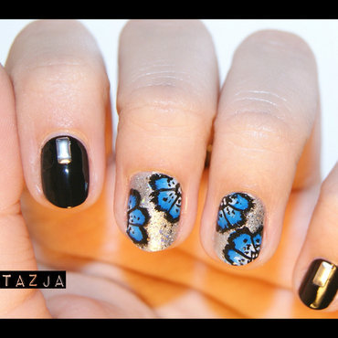 blacknblue flowers design :D nail art by Anastazja