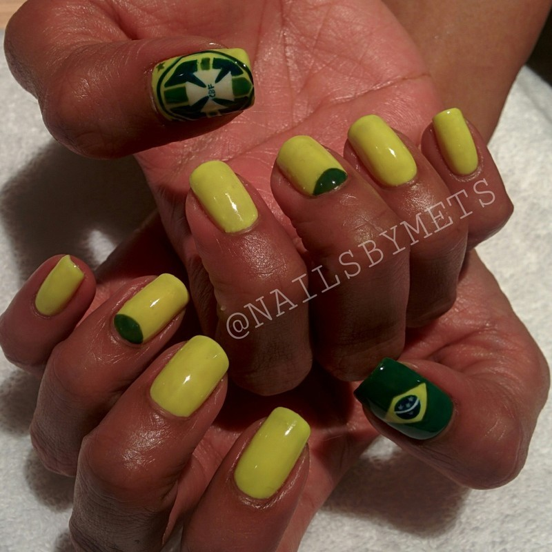 Brazil Fever nail art by Mets