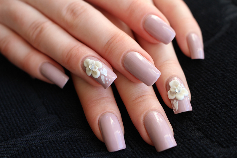 Acrylic flowers nail art by Yue - Nailpolis: Museum of Nail Art
