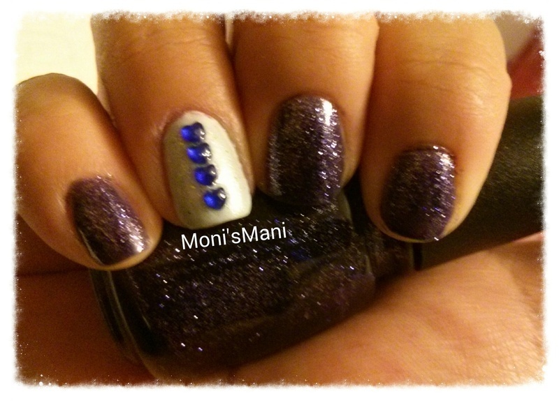 blue valentine nail art by Moni'sMani