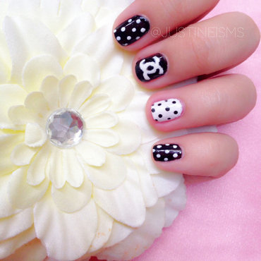 Chanel nail art by ℐustine