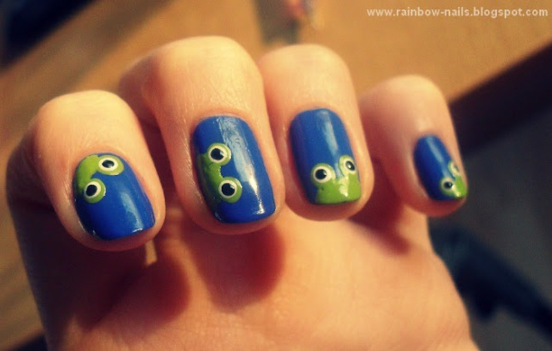 Frogs nail art by Oliwia