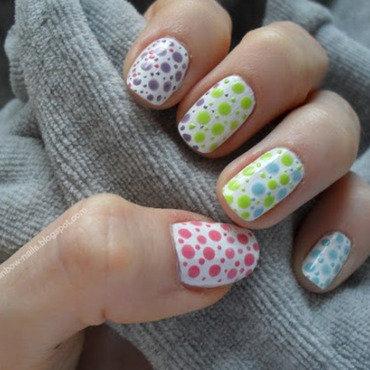 Rainbow dots nail art by Oliwia