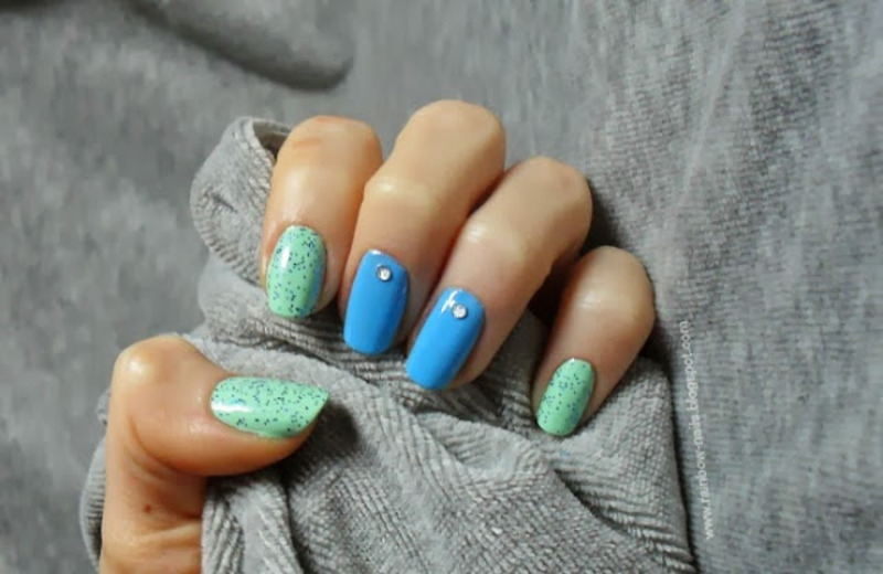 Blue&mint nail art by Oliwia