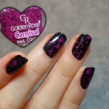 Black nail art by Oliwia