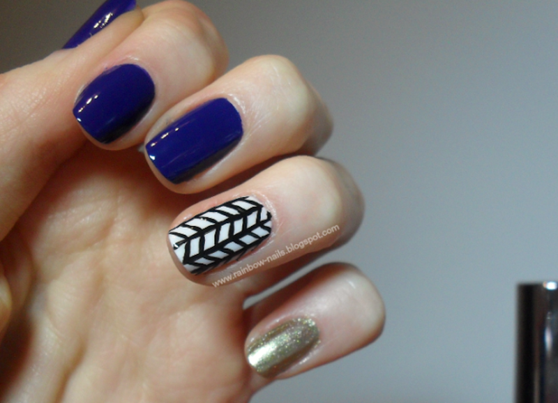 Blue&gold nail art by Oliwia
