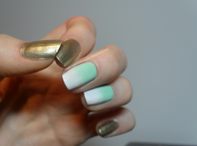 Mint gradient nail art by Oliwia