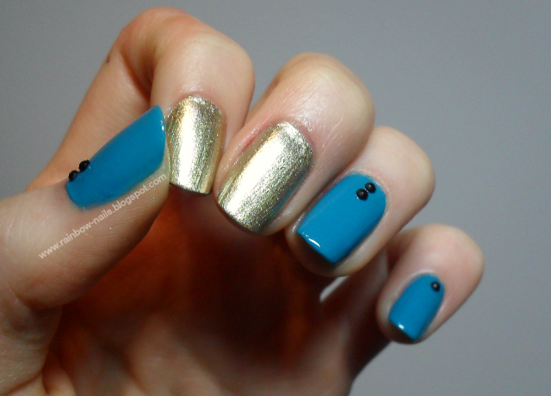 Gold&blue nail art by Oliwia