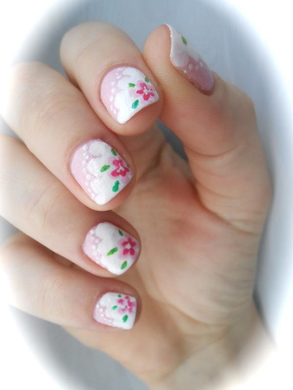 Les fleurs de Marie Antoinette nail art by Sarah Anaïs