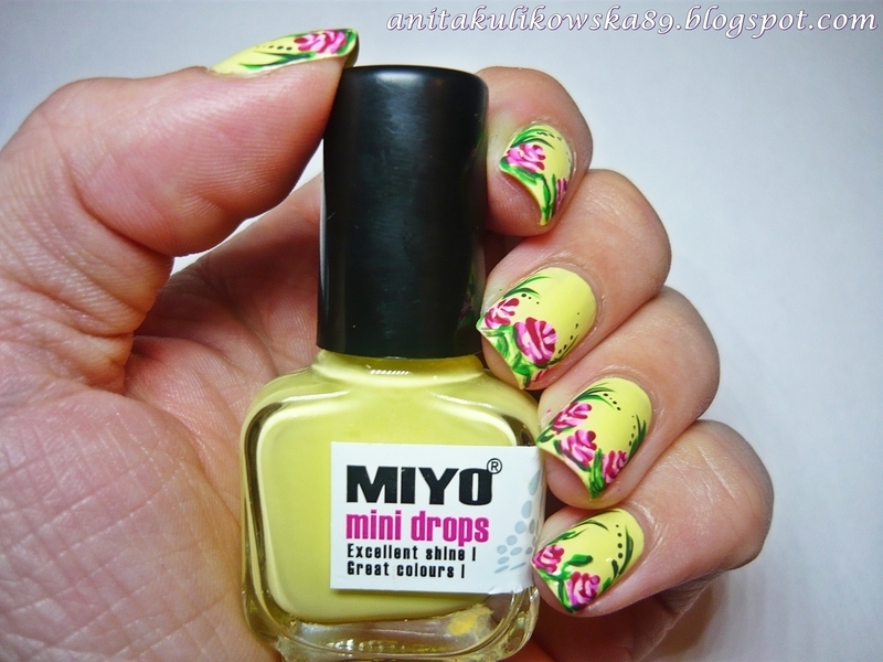 Hello spring :) nail art by Anita