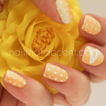 Yellow love nail art by Lindsay