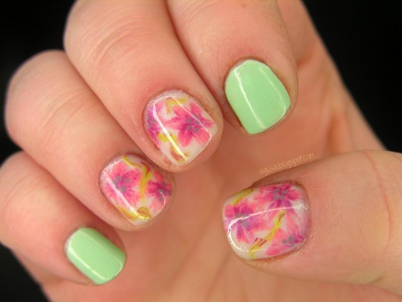 Floral nail art by Agni